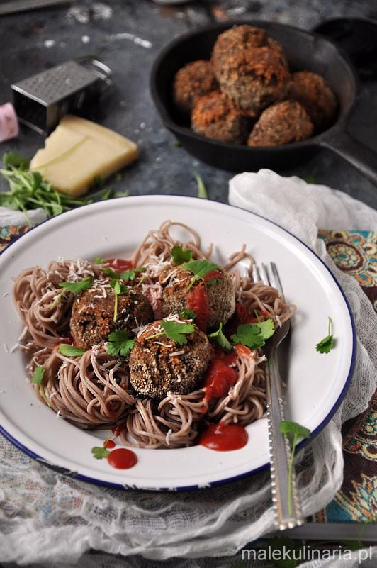 Pulpety-z-ciecierzycy-i-suszonych-pomidorow-2