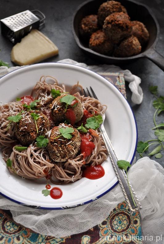 Pulpety-z-ciecierzycy-i-suszonych-pomidorow-3