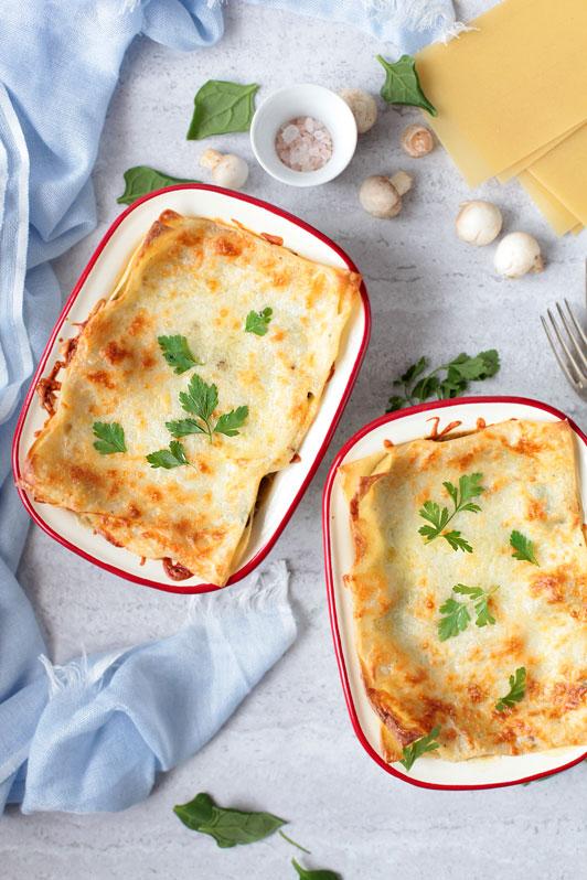 lasagne ze szpinakiem i piecarkami